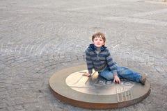 eurocoin мальчика Стоковые Изображения