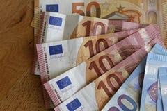 euroen bemärker reflexion Arkivfoton