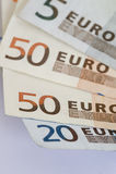 Euroen noterar Arkivfoton