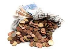 Eurogeld in alte Strümpfe Lizenzfreies Stockbild