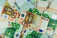 Eurogeld-Banknoten-Hintergrund Stockfotos