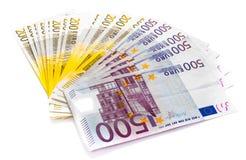 Eurogeldbanknoten lokalisiert auf weißem Hintergrundbargeld Lizenzfreie Stockfotografie
