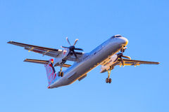 Eurolot在机场的航行器着陆 库存图片