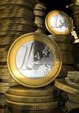 Euromünzen in der Münzenquerneigung Lizenzfreies Stockbild