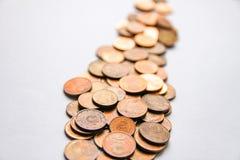 Euromünzen der unterschiedlichen Bezeichnung freigegeben durch Lettland stockbild