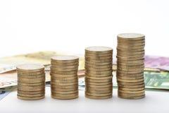 Euromünzen gestapelt Stockfoto