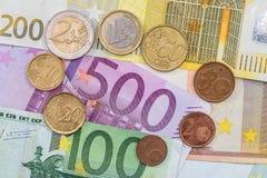 Euromünzen und Banknoten Abschluss oben Lizenzfreie Stockfotografie