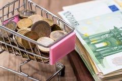 Euromünzen- und wurobanknoten Stockfoto