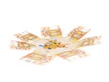Euromynt över euroräkningar arkivbild