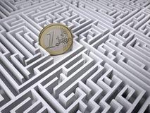 Euromynt i labyrintlabyrinten Arkivfoton
