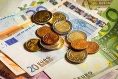 Euromynt- och sedelpengar Royaltyfria Foton