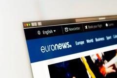 Euronews-websitehomepage Sluit omhoog van Euronews-kanaalembleem stock fotografie