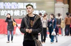 Europäer in der chinesischen Stadt stockfoto