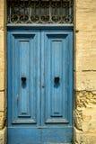 Europäische alte Türen, die den Test der Zeit überlebt haben Lizenzfreie Stockbilder
