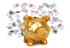 Europäische Banknoten und goldenes piggybank Stockbilder