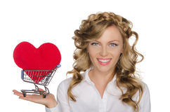 Europäische Frau mit Herzen im Warenkorb Stockfotos