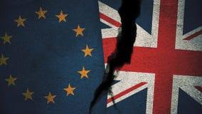 Europäische Gemeinschaft gegen England-Flaggen auf gebrochener Wand Stockbilder