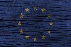 Europäische Gemeinschaft u. x28; EU u. x29; Flagge mit hohem Detail des alten hölzernen Hintergrundes Abbildung 3D Lizenzfreie Stockfotos