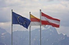 Europäische, kärntnerische und österreichische Flagge Stockfotografie