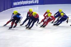 Europäische kurze Spur-Drehzahl-Eislaufmeisterschaft Lizenzfreie Stockfotos