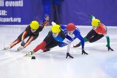 Europäische kurze Spur-Drehzahl-Eislaufmeisterschaft Stockfotos