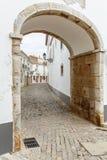 Europäische touristische Kleinstadt Faro, Portugal Traditionelle historische alte Stadtarchitektur Stockfotografie