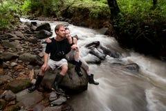 Europäische und amerikanische Paare in Costa Rica stockfotografie