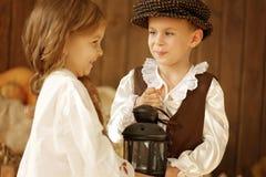 Europäischer Junge und Mädchen zusammen Lizenzfreie Stockbilder