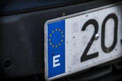 Europäisches Kfz-Kennzeichen mit Nr. zwanzig Stockbild