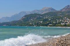 europa ADRIATISCHES MEER montenegro Wellen auf dem Strand der Barstadt Geschossen von Litauen Lizenzfreies Stockfoto