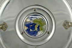 Europa attraverso la piccola finestra Immagine Stock Libera da Diritti