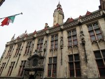 Europa, België, West-Vlaanderen, Brugge, één van de prachtige gebouwen van het historische centrum stock foto's