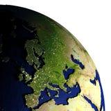 Europa bij nacht op model van Aarde met in reliëf gemaakt land Stock Fotografie