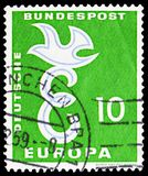 Europa C.E.P.T., serie, circa 1958. MOSCOW, RUSSIA - FEBRUARY 20, 2019: A stamp printed in Germany, shows Stylizad letter E and pigeon, Europa C.E.P.T. serie stock photos