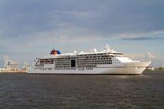 Europa 2 del barco de cruceros en Hamburgo Fotos de archivo