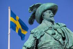 Europa, Escandinavia, Suecia, Goteburgo, Gustav Adolfs Torg, estatua de bronce del fundador Gustav Adolf de la ciudad en la oscur Imagen de archivo libre de regalías