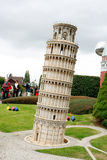 Europa miniparkpisa torn Arkivfoton