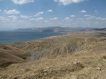 europa Paese ucraino Vista sul mare del ` s della Crimea Regione vicino alla città di Sudak Sollievo di geologia Montagna di Mega Fotografia Stock Libera da Diritti