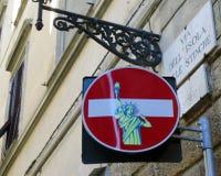 Europa przerwy znak z graffiti zdjęcia stock