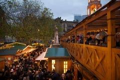 Europa, Regno Unito, Inghilterra, Lancashire, Manchester, Albert Square, mercato di Natale Immagine Stock Libera da Diritti