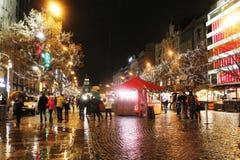 Europa skönhet som väntar på en mirakeltur till julen Royaltyfri Fotografi