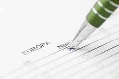 Europa stemt over nr met groene pen Stock Afbeeldingen