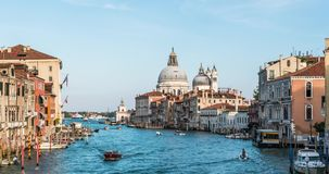 europa Venetië Italië Een mening van de Basiliek en het Grote kanaal timelapse in 4K stock videobeelden