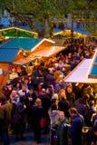 Europa, Vereinigtes Königreich, England, Lancashire, Manchester, Albert Square, Weihnachtsmarkt stockbilder