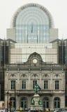 Europaparlamentetbyggnaden i Bryssel, från ruen du Luxembourg Arkivfoton