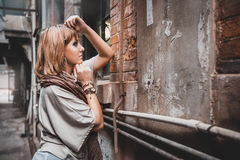 European girls in the slums of Shanghai Stock Photos
