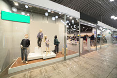 Europees wandelgalerijbinnenland met winkels Royalty-vrije Stock Foto's