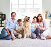 Europeisk familj royaltyfri fotografi