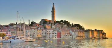 Europeisk fiskestad för panorama Fotografering för Bildbyråer