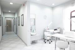 Europeisk lyxig medicinsk klinik Royaltyfri Fotografi
